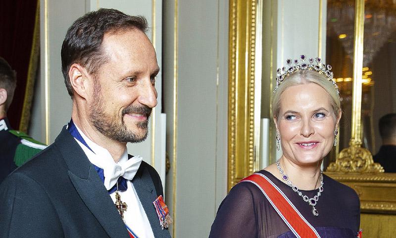 Mette-Marit de Noruega reaparece tras anunciar que padece fibrosis pulmonar