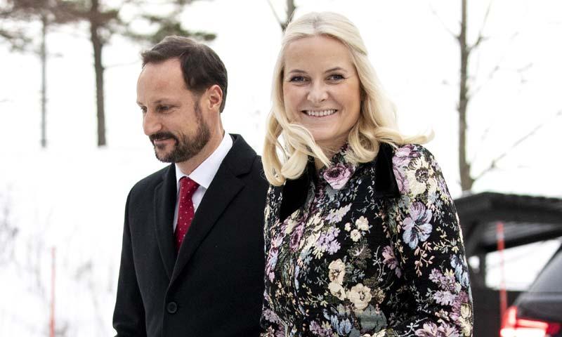 ¡Feliz y en familia! Mette-Marit de Noruega no se pierde la tradicional misa de Navidad