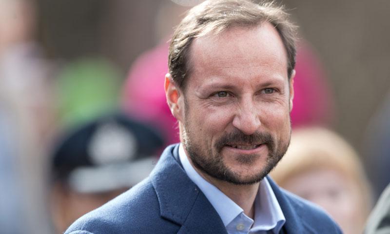 Haakon de Noruega, obligado a pasar por el quirófano