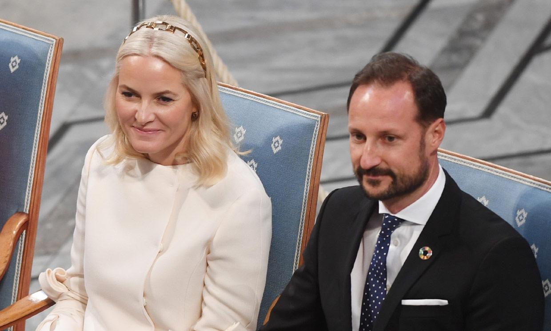 Mette Marit de Noruega reaparece en la entrega del Nobel de la Paz tras su relación con el 'Caso Epstein'