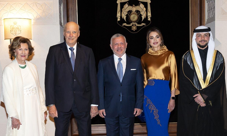 Rania de Jordania pone el broche de oro al primer día de visita de Estado de Harald y Sonia de Noruega