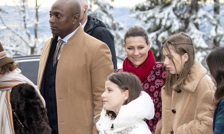 ¡Los 'royals' también bailan! Marta Luisa de Noruega, sus hijas y Durek se apuntan a los vídeos virales