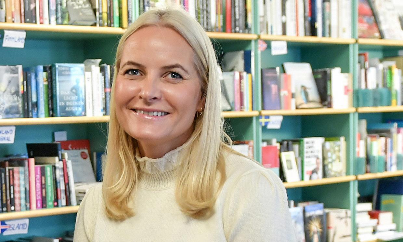 La emoción de Mette-Marit al entrevistar a una de sus escritoras favoritas