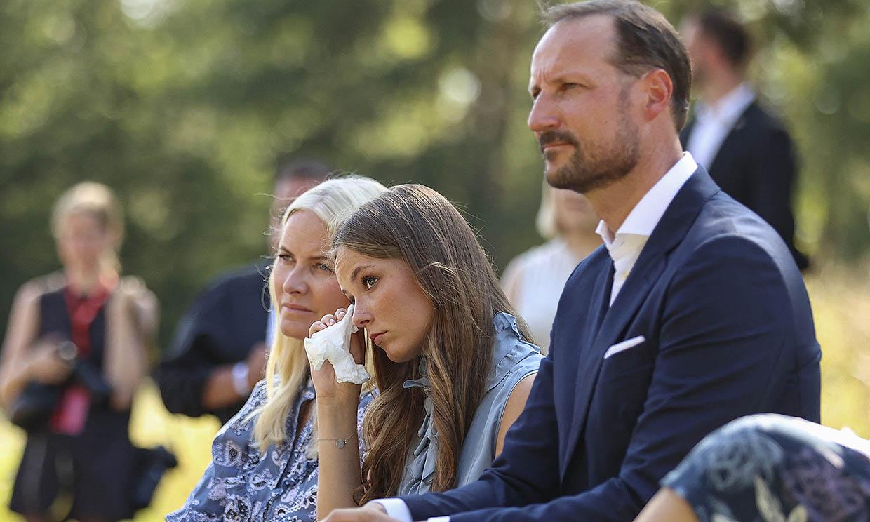 Las lágrimas de la princesa Ingrid de Noruega al escuchar los testimonios del atentado de Utoya