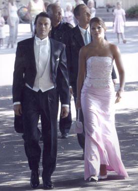 Los suecos aprueban a Daniel Westling como posible marido de la princesa Victoria