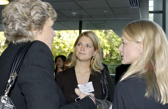 Magdalena de Suecia visita en Washington la fundación instituida por su madre