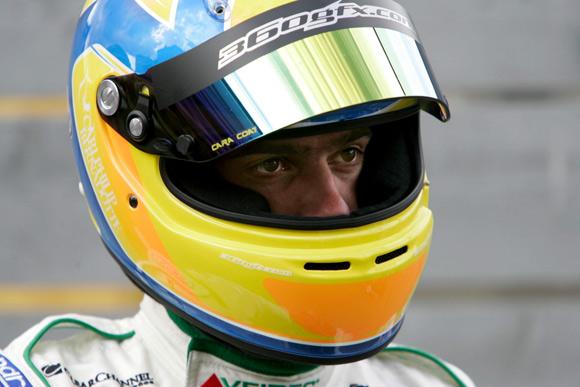 El príncipe Carlos Felipe de Suecia se convierte en piloto de carreras