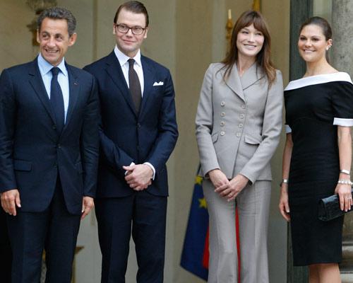 Victoria de Suecia y Carla Bruni: confidencias en el palacio Elíseo