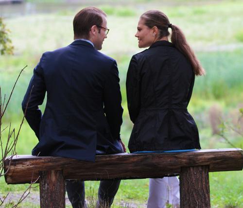 Victoria y Daniel de Suecia inauguran el 'sendero del amor'