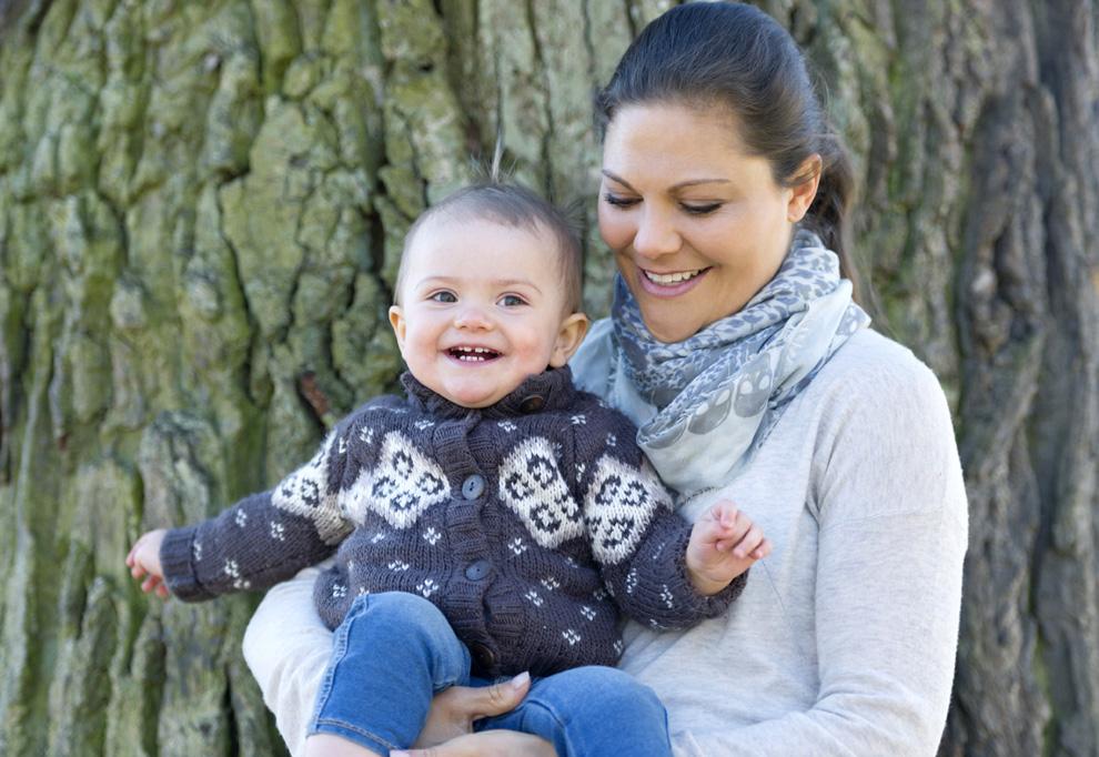 Las imágenes más tiernas de Victoria de Suecia con su hija, la princesa Estelle