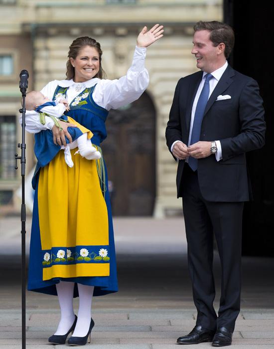 Las princesas Estelle y Leonore, las dos 'mini' protagonistas del Día Nacional de Suecia