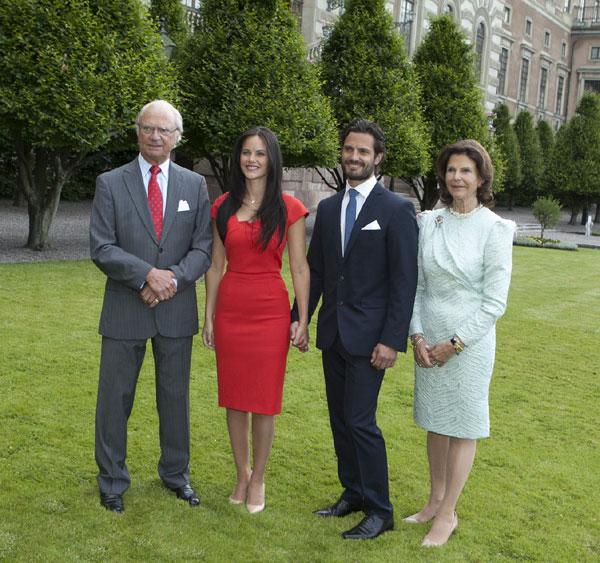 El príncipe Carlos Felipe de Suecia anuncia su compromiso con Sofia Hellqvist: 'Es un día muy feliz para los dos'