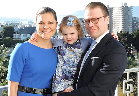 Estelle de Suecia realiza su primer viaje oficial internacional junto a sus padres, los príncipes Victoria y Daniel