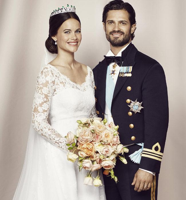 Cambio de vestido, servilletas al cielo y mucho (pero mucho) baile: Lo que no vimos de la boda de Carlos Felipe de Suecia y Sofia Hellqvist