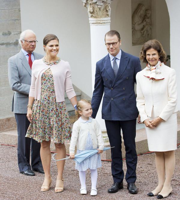 Los bailes bajo la lluvia de Estelle y la complicidad de Magdalena y Sofia en el cumpleaños de Victoria de Suecia