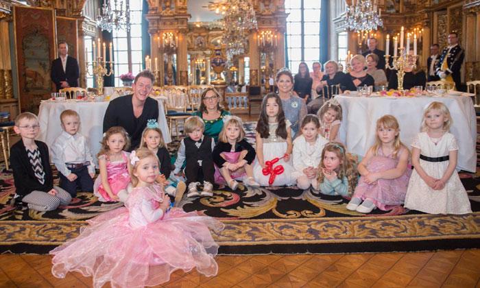 Entramos en la fiesta de cuento de hadas de Magdalena y Leonore de Suecia