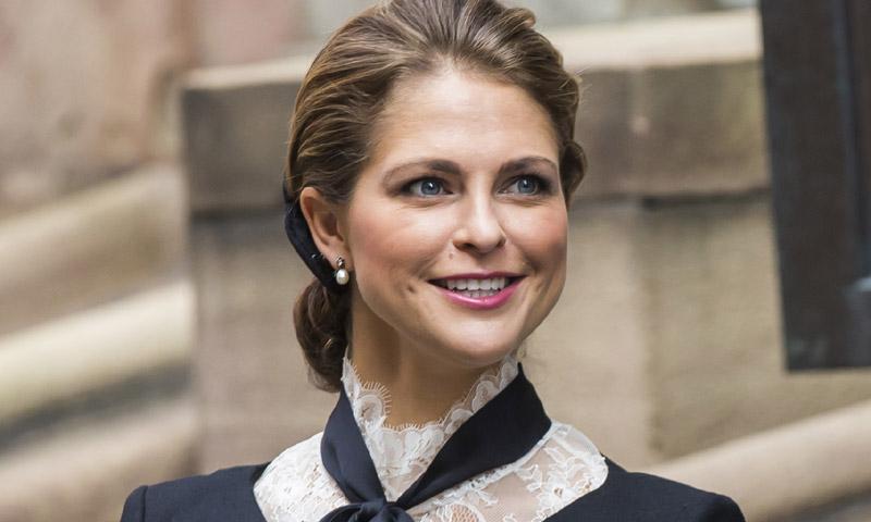 Tras la reina Letizia y la Duquesa de Cambridge, Magdalena de Suecia prueba con el periodismo