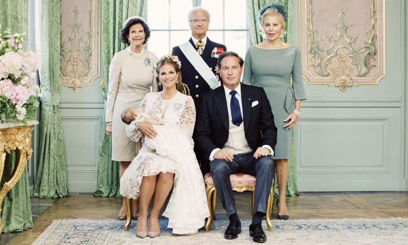 Un día después del cumpleaños de Magdalena de Suecia, llegan los retratos oficiales del bautizo de su hija