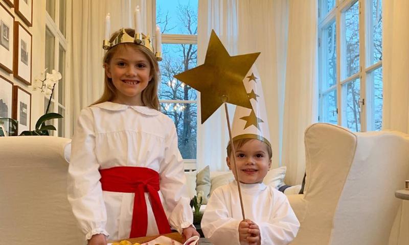 ¡Para comérselos! Estelle y Oscar de Suecia felicitan la Navidad de la forma más tierna