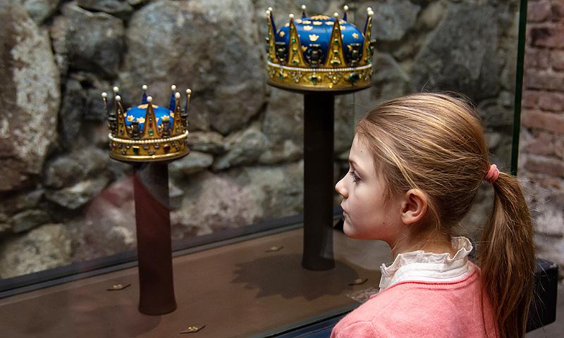 Estelle de Suecia empieza el año acudiendo a la 'Escuela de Reinas'