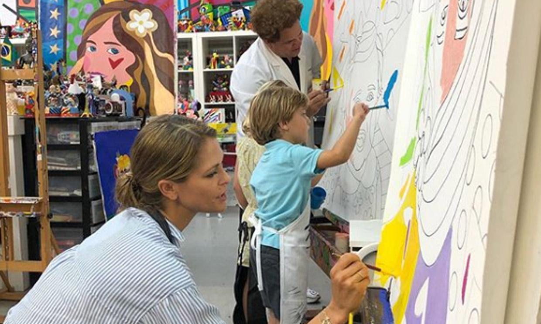 Leonor de Borbón ya tiene su propio retrato de Romero Britto... Y ahora Magdalena de Suecia y sus hijos pintan los suyos
