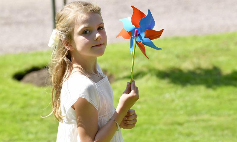 La princesa Estelle de Suecia empieza, por fin, el 'cole de los mayores'