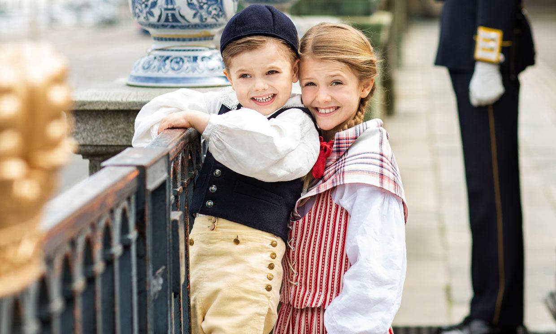 ¡Tres trajes para tres ducados! Victoria de Suecia y sus hijos nos derriten en el Día Nacional