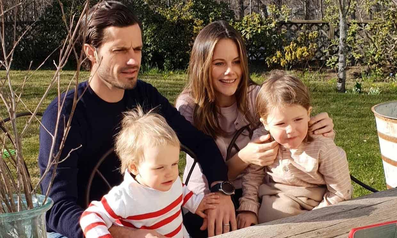 Bosques, cuevas y acantilados, la divertida excursión familiar de Carlos Felipe y Sofía de Suecia