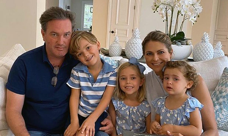 Magdalena de Suecia inaugura la Navidad con un entrañable posado de sus hijos