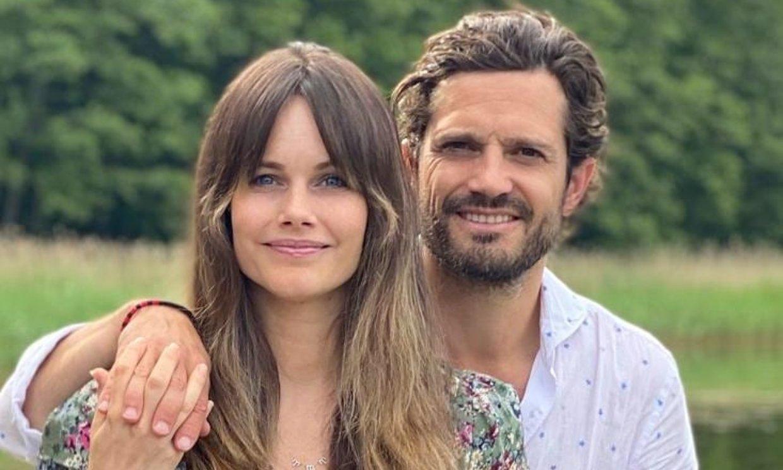 Carlos Felipe y Sofía de Suecia inauguran con un posado su primer verano como familia numerosa
