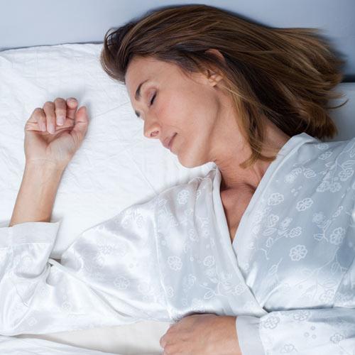 ¿Duermen peor las mujeres en la menopausia?