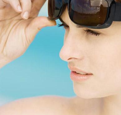 En verano, ¡no te olvides de cuidar tus ojos!