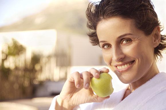 ¿Cómo influye la alimentación en la menopausia?