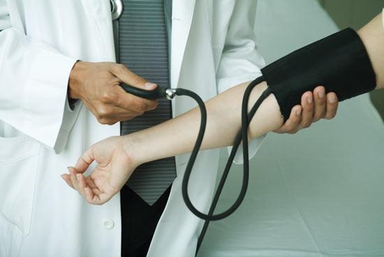 ¿Por qué aumentan los casos de hipertensión en la menopausia?