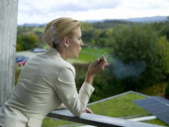 ¿Cómo afecta el tabaco a tu pelo?