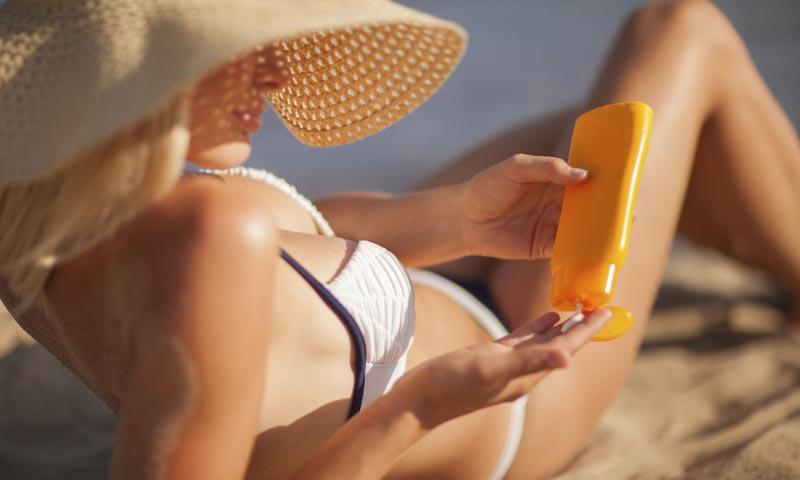 Los españoles no se saben aplicar la crema solar