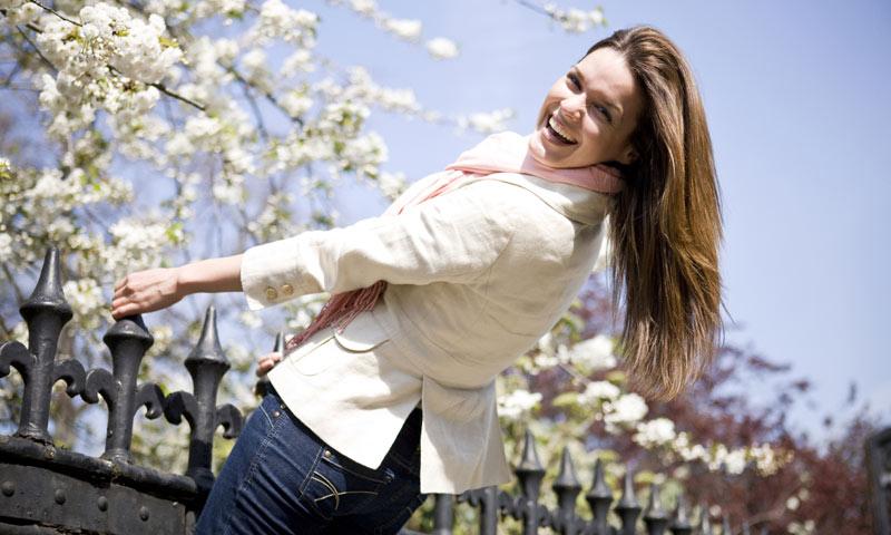 Más del 50% de mujeres considera que reír es la mejor actividad para sentirse bien