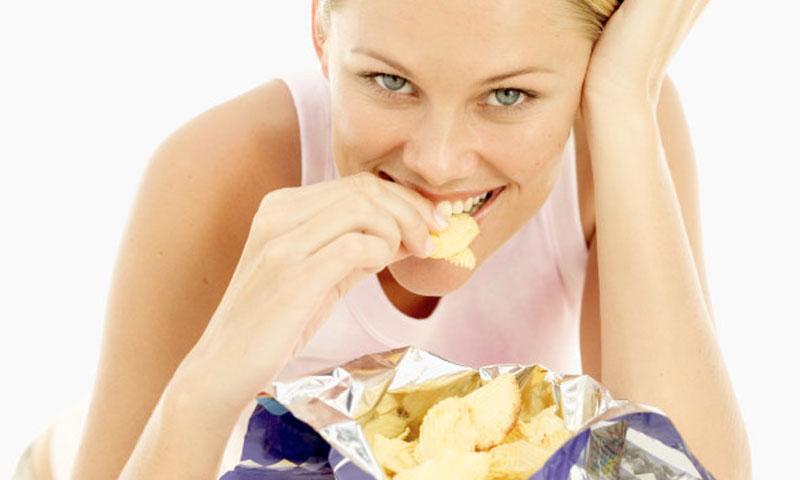 ¿Qué pasa en tu cerebro cuando comes comida basura?
