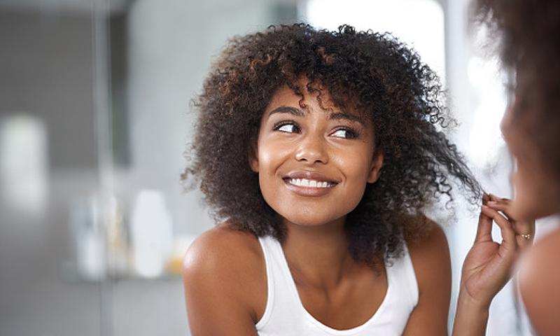 Las rebajas del medio para los cabellos
