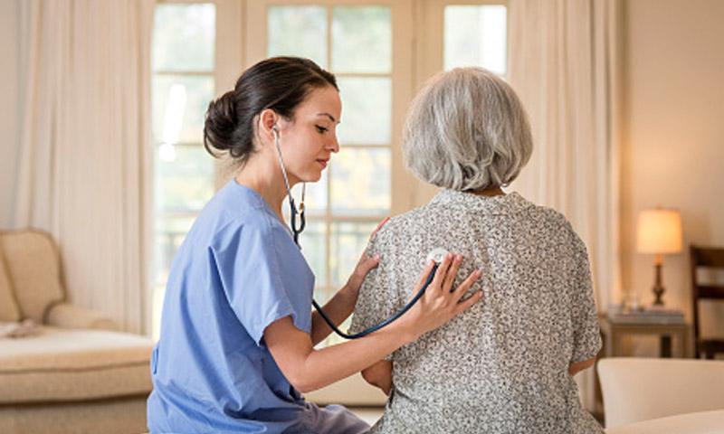 ¿El fin de las caídas en ancianos? Cuatro tecnologías que aspiran a conseguirlo