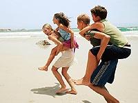 Los adolescentes activos que pasan más tiempo al aire libre son más felices
