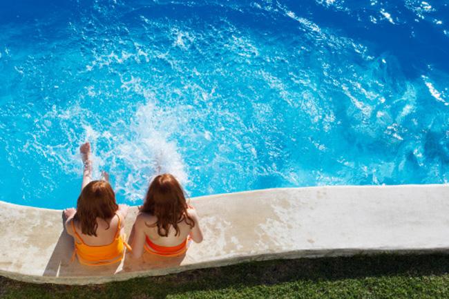 Consejos para evitar los riesgos para la salud propios de for Hongos de piscina