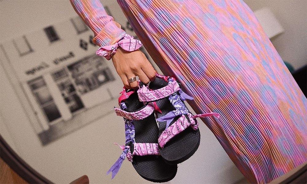 Sandalias de velcro: la tendencia clave del verano es también la más cómoda