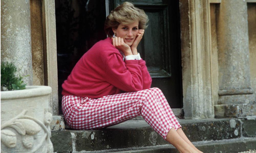 Consigue los pantalones vichy de Diana de Gales y combínalos con todas tus sandalias
