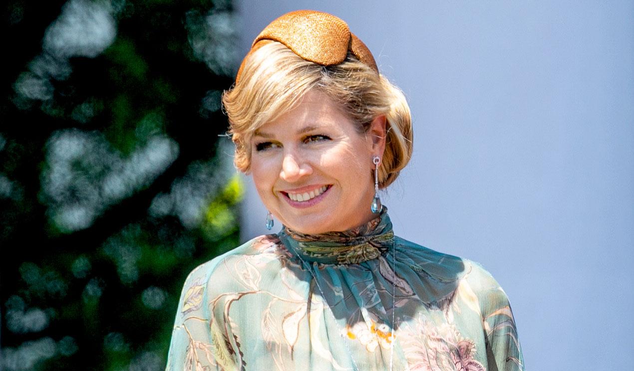 Compra el vestido-túnica de Letizia o Máxima que se adapta a todas las tallas