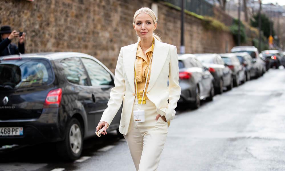 Encuentra aquí la 'blazer' entallada que buscabas en los colores que más estilizan