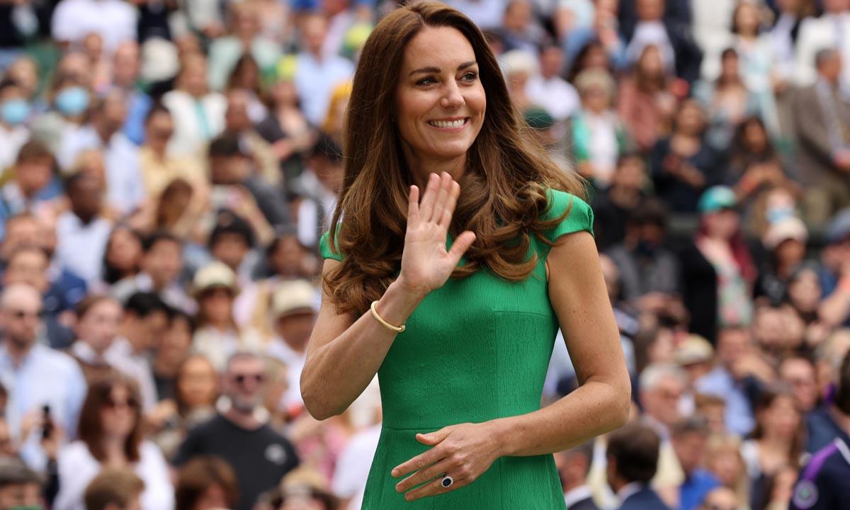 Haz como Kate Middleton y apuesta por estos vestidos en los colores más favorecedores