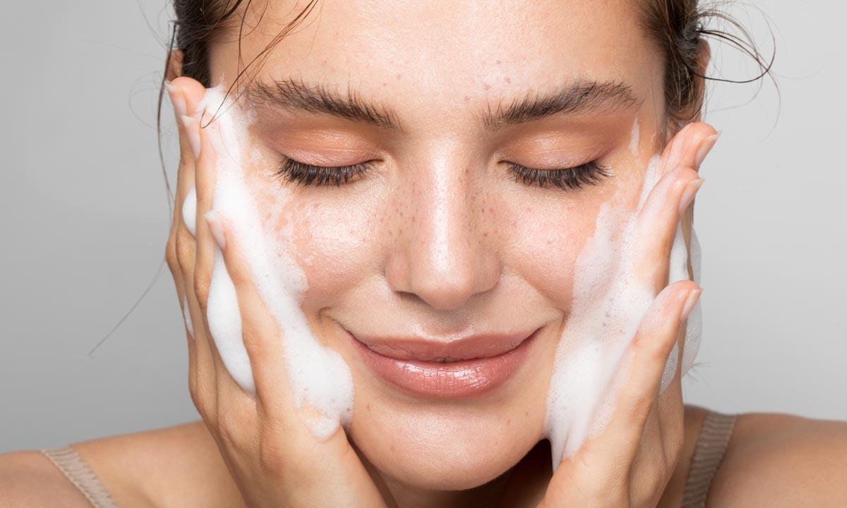 Descubre cuál es el mejor gel limpiador para el rostro según tu tipo de piel
