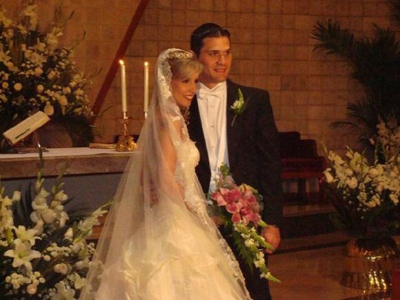 Jonathan Ender y Viviana Idrobo recrean en su boda el exotismo del Pacífico