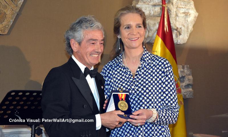 La infanta Elena preside la entrega de las 'Medallas Mayte Spínola' a la excelencia y el talento